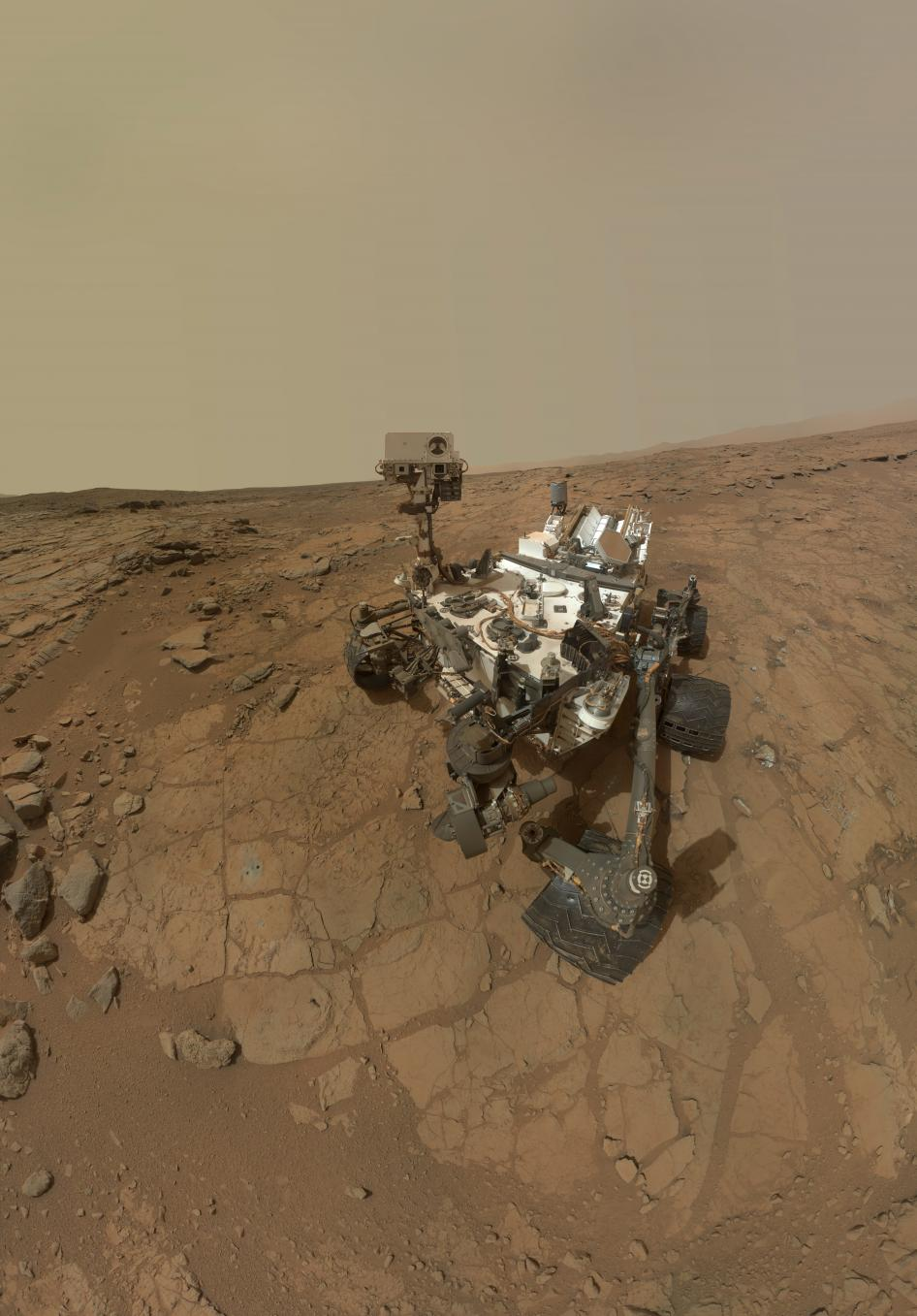 A self-portrait composite image of Curiosity. Credit: NASA/JPL-Caltech/MSSS